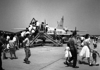 1964年5月17日 横田基地2.jpg