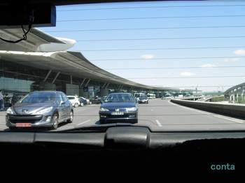CDGからタクシーで.jpg
