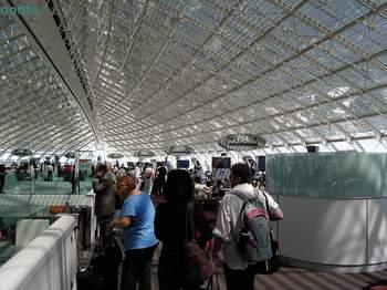 CDG空港 天井.jpg