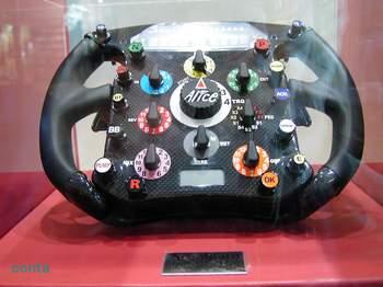 F1 ステアリング.jpg